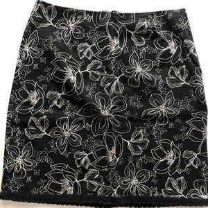GEOFFREY BEENE black short stretch skirt